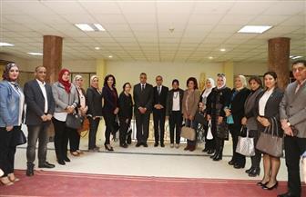 محافظ سوهاج يبحث تحقيق الاستفادة القصوى من أنشطة المجلس القومي للمرأة | صور