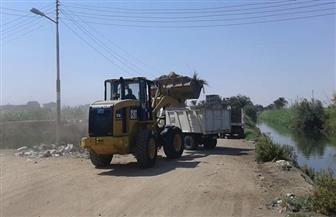 رفع 15 طن مخلفات خلال حملة بمدينة الطود في الأقصر | صور