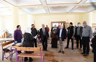 محافظ بورسعيد: تسليم 90% من شرائح التابلت لطلاب أولى ثانوي دون تكدس | صور