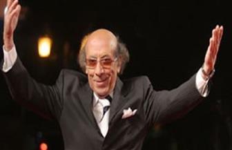 السيد راضي.. الفنان المحترف الذي أصبح أهم رؤساء المسرح الكوميدي| صور