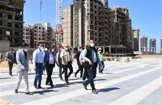 وزير الإسكان يتفقد منطقة الداون تاون بمدينة العلمين الجديدة