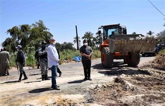 محافظ الأقصر يضبط مخالفة تعديات بالبناء وينقل رئيس حي شمال | صور