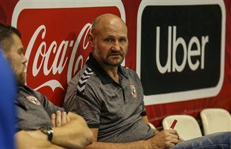 «ليندجرين» يطمئن على تدريبات فريق اليد بالنادي الأهلي