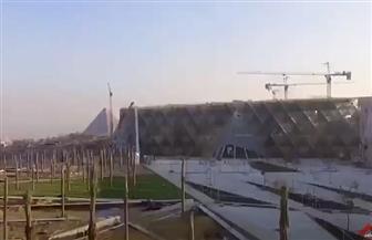 السياحة والآثار تطلق جولة إرشادية جديدة بالمتحف المصري الكبير| فيديو