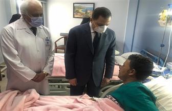 وزير الداخلية يزور المصابين في حادث الأميرية.. ويشيد بشجاعتهم وتعاملهم مع الإرهابيين| صور