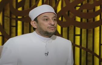 رمضان عبد الرازق يوضح حكم الصلاة جماعة على أسطح المنازل | فيديو