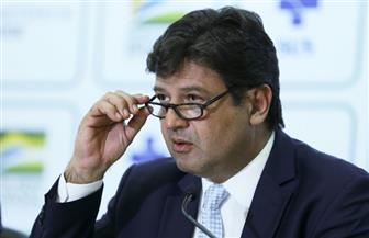 """إقالة وزير الصحة البرازيلي.. والرئيس يصر على أنها """"إنفلونزا بسيطة"""""""