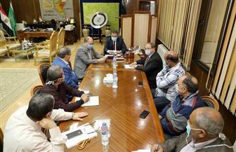 محافظ المنوفية يمنح 101 عامل في مصنع أغذية إجازة 14 يوما بعد ظهور حالات مصابة بكورونا