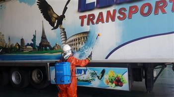 وزير النقل يتابع حركة تداول الشاحنات والبضائع بمواني البحر الأحمر| صور