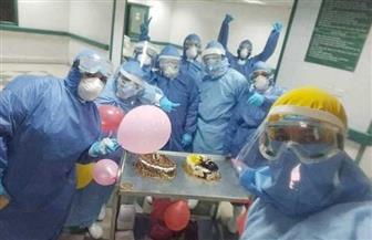 بالتورته والبلالين.. مستشفى عزل كفر الزيات تحتفل بعيد ميلاد 4 أطفال يتلقون العلاج ضد كورونا| صور