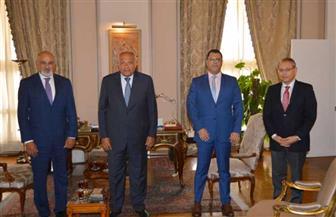 وزير الخارجية يستقبل ممثلي مجموعة القاهرة في هيئة التفاوض السورية المعارضة
