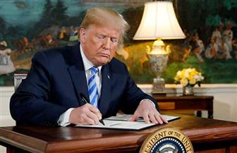 ترامب يوقع أمرا تنفيذيا بتعليق الهجرة