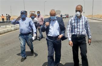 مسئولو وزارة الإسكان يتفقدون مشروعات الطرق والمرافق بمدينة الشروق