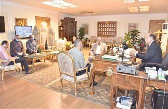 محافظ أسيوط يشدد على مسئولي المواقف والأحياء رفع كفاءة منظومة النظافة والتطهير| صور