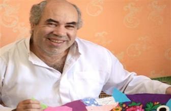 """التشكيلي إبراهيم البريدي يبث الأمل بفن """" المرج خيط"""""""