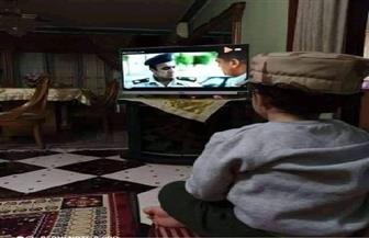 """لقطة مؤثرة لطفل يشاهد """"الاختيار"""" الذي يجسد شخصية الشهيد أحمد المنسي"""
