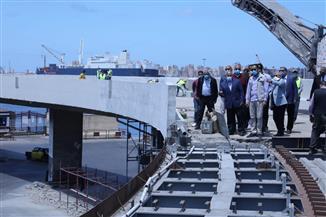 وزير النقل: المحطة متعددة الأغراض بميناء الإسكندرية تتكلف 6 مليارات.. وتشغيل تجريبي للجراج متعدد الطوابق   صور