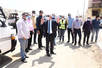 محافظ بورسعيد يتابع تطوير شارع البترول.. ويطمئن على تطبيق الإجراءات الاحترازية| صور