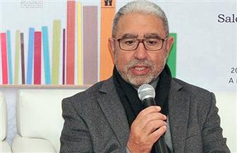"""""""سرير لعزلة السنبلة"""" في """"منتخبات شعرية"""" للمغربي محمد الأشعري"""