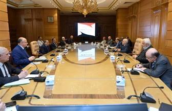 """""""العصار"""" و""""شعراوي"""" يتابعان مع محافظي القاهرة والإسكندرية تصنيع الأتوبيسات الكهربائية"""