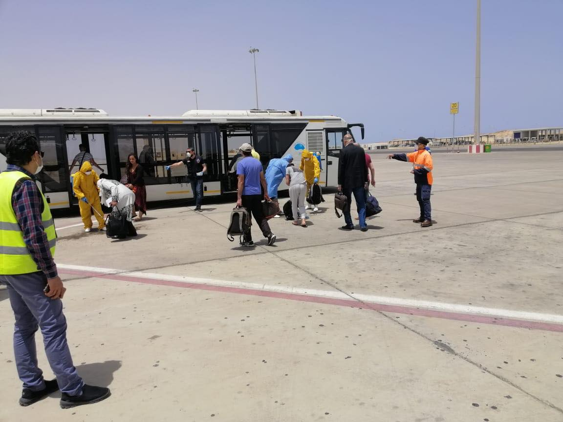 وصول رحلة المصريين العالقين في إندونسيا وعمان إلى مطار مرسى علم