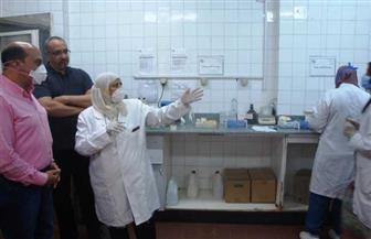 محافظ أسوان يتفقد مباني مستشفى ومنطقة التأمين الصحي | صور