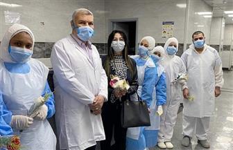 باقة ورد وبرقيات شكر من «القومي للمرأة» إلى جيش مصر الأبيض بمستشفيات العزل | صور