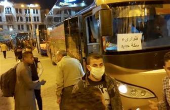 وزير النقل يتابع نقل ركاب قطاري 987 و983 القادمين من الأقصر وأسوان للقاهرة | صور