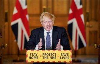 """رئيس الوزراء البريطاني بصدد التخلي عن شعار """"ابقوا في المنزل"""""""