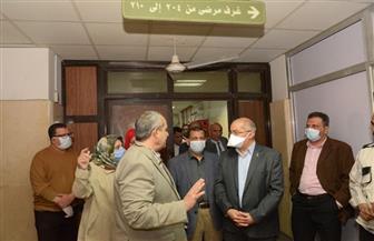 رئيس جامعة أسيوط يشدد على إجراءات الوقاية مع مرضى الأورام دون الإخلال بمستوى الخدمة | صور
