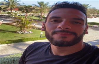 أحمد أكرم من داخل الحجر الصحي: أشعر بالسعادة والاطمئنان بعد عودتي إلى مصر