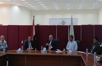 رئيس العاشر من رمضان يلتقى وكيل وزارة الصحة بالشرقية لمتابعة الإجراءات الاحترازية لفيروس كورونا | صور