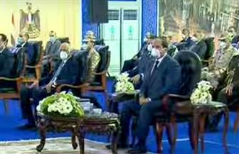 الرئيس السيسي يشاهد فيلما تسجيليا حول دور القوات المسلحة في مكافحة فيروس كورونا
