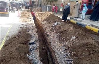 تغيير خطوط مياه الشرب بمدينة البلينا بتكلفة 10 ملايين جنيه | صور