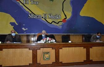محافظ جنوب سيناء يشدد على اتخاذ الإجراءات الوقائية لمواجهة «كورونا» أثناء تنفيذ المشروعات
