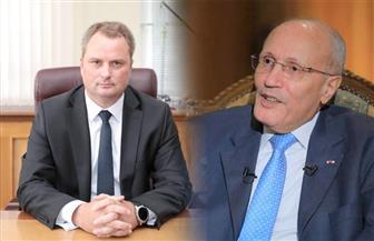 عبر الفيديو كونفرانس.. العصار يبحث مع وزير الصناعة البيلاروسي تعميق التعاون المشترك