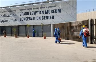 السياحة والآثار تواصل أعمال التطهير والتعقيم للمواقع الإنشائية  للمتحف المصري الكبير|صور