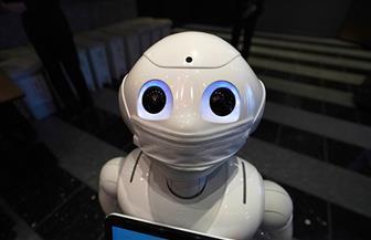 روبوت يستقبل المرضى في فندق ياباني