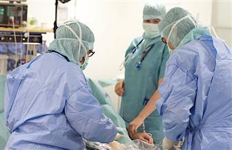بعد الموافقة على المد لـ 65 عاما.. الخبرة والشباب تحسم «عجز» الأطباء