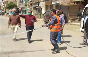 رش وتطهير منشآت حكومية بمركز ملوي.. وتحرير 14 مخالفة تموينية
