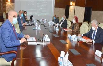 وزير الإسكان ومحافظ جنوب سيناء يتابعان مشروعات المياه والصرف والإسكان بالمحافظة | صور
