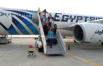 وصول 298 مواطنًا من المصريين العالقين في دبي لمطار مرسى علم | صور