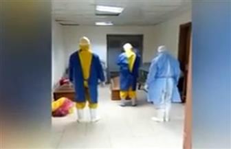 أطباء يصلون الجنازة على متوفى بكورونا بعد رفض أهله استلام جثمانه| فيديو