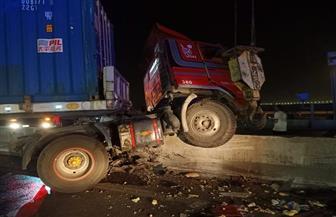 مصرع وإصابة 9 أشخاص في تصادم 4 سيارات أعلى محور سعد الدين الشاذلي| صور