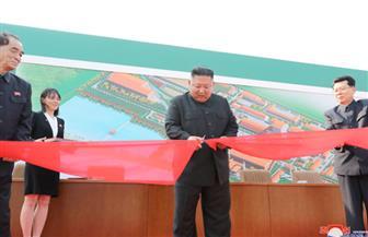 كيم جونج أون يقتل الشائعات ويرسل رسالة إلى العمال في عيدهم خلال افتتاح مصنع أسمدة | صور