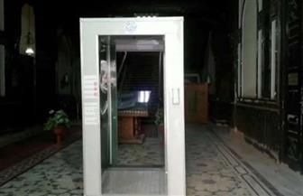 """""""الكهرباء"""" تقوم بتركيب ممرات وبوابات تعقيم إلكترونية على مداخل الوزارة"""