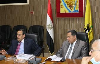 محافظ شمال سيناء يعرض كافة الأوضاع بالمحافظة أمام مجلس المحافظين |صور