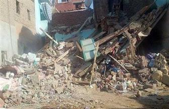 إخلاء منزلين من قاطنيهما بعد انهيارهما جزئيا في سوهاج