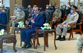 """الرئيس السيسي: ٣٥٠٠ شركة من القطاع الخاص تعمل في المشروعات.. وندعو للاسثمار في محال التجارية لـ""""بشائر"""""""