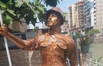 جامعة الزقازيق تنحت تمثالا من الكركاز يجسد الجندي في بلبيس | صور